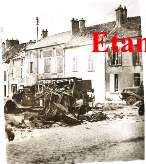 un fantassin allemand saint pierre d 39 etampes le 15 juin 1940 8 clich s au lendemain du. Black Bedroom Furniture Sets. Home Design Ideas