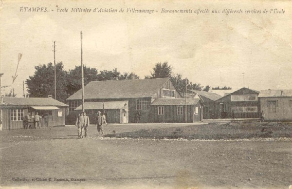 Ecole militaire d'aviation, barraquements